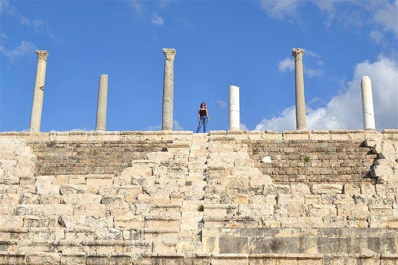 تعتبر صور من المدن القديمة ذات التاريخ العريق، تتنوع الآثار من كل الحقبات ا (Soûr, Al Janub, Lebanon)