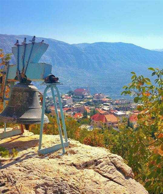 Wake up people 😂 lebanon nature naturelovers natureporn landscape ... (Akoura, Mont-Liban, Lebanon)
