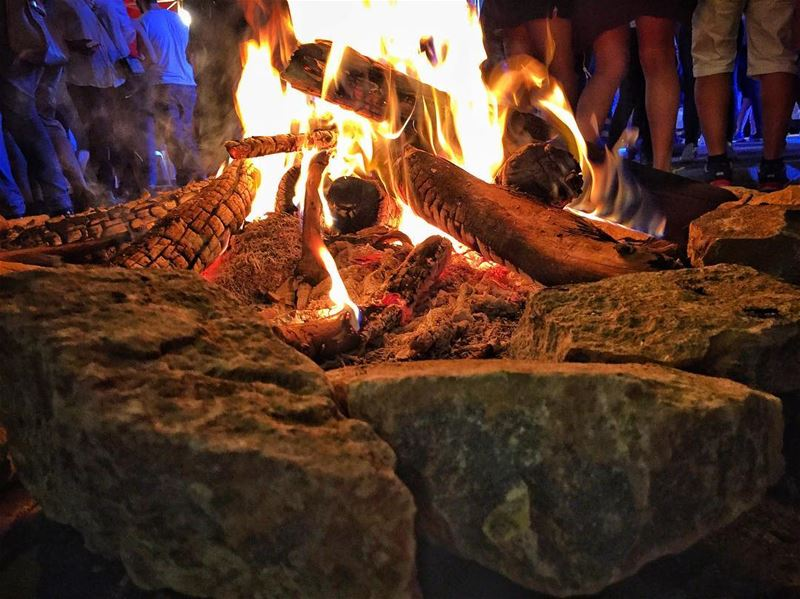 The smell of a bonfire 🔥🌌 livelovebeirut lebanonspotlights... (Mount Lebanon Governorate)