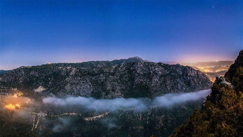 On top of the world. . ....... livelovemayrouba jabalmoussa ... (Qehmez)