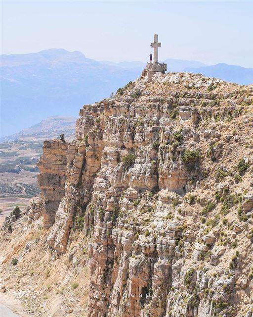 Aqoura, Mount Lebanon 🇱🇧..... proudlylebanese beautifullebanon ... (Akoura, Mont-Liban, Lebanon)