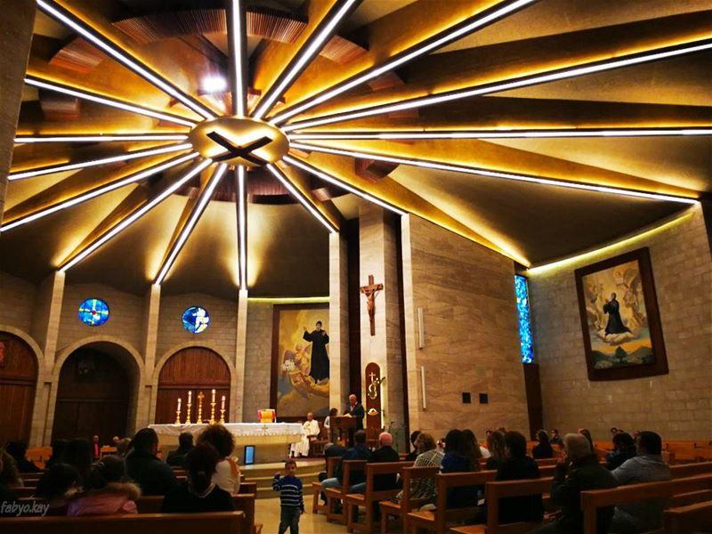 ماشربل الصليب يسوع_المسيح كنيسة saint_charbel stcharbel holybible me... (Mazar Saint Charbel-Annaya)