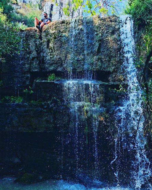 Spot the beauty in this pic💅🏻 (Faraya, Mont-Liban, Lebanon)