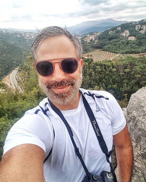 Sunday's mood sunday sundayfunday selfie me mountain view ... (Mar Chaaya Broumana)