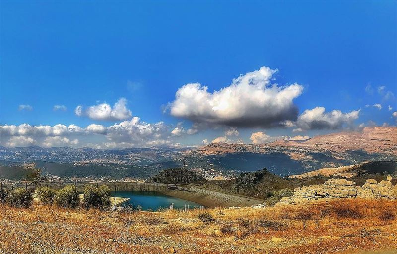Let's be free like those clouds... let's just fly somewhere beyond... (Zaarour Lake)