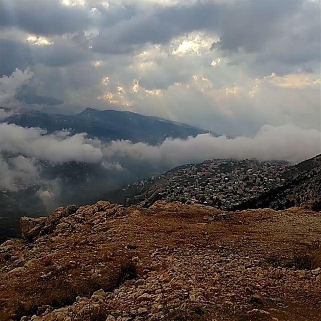 winteriscoming blackpeak lebanon ehden EhdenAdventures ehdensky ... (Ehden, Lebanon)