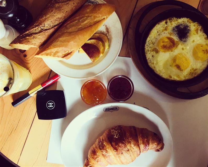 breakfast weekday mondayfunday breakfasttime mondayvibes foodie... (Urbanista, Gemayzeh Street, Beirut)