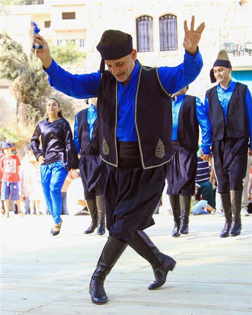 Al-Dabkeh: Lebanese folk dance and costume photoftheday traditional ...