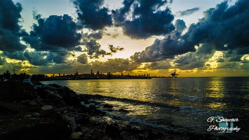 Our beloved Beirut during a cloudy sunset.______🔴⚪⚪🌲⚪⚪🔴______... (Jall Ed Dîb, Mont-Liban, Lebanon)