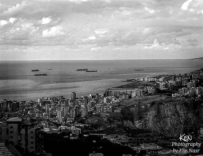 ...مراكبنا عالمينا يا رجعة الصواريقلبي ناطر عالمينا وحبيبي منو داريضحك (Fanar, Mont-Liban, Lebanon)