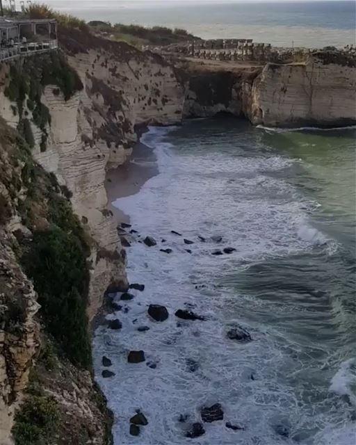 Good Morning from BEIRUT 😍♥️By @nidal.majdalani Rawché Rawshe Beirut ... (Ar Rawshah, Beyrouth, Lebanon)