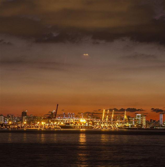 في_بلادي مرفأ بيروت بابها الى كل الدنيا من البداية بيروت_هيي_الروح ... (Port of Beirut)