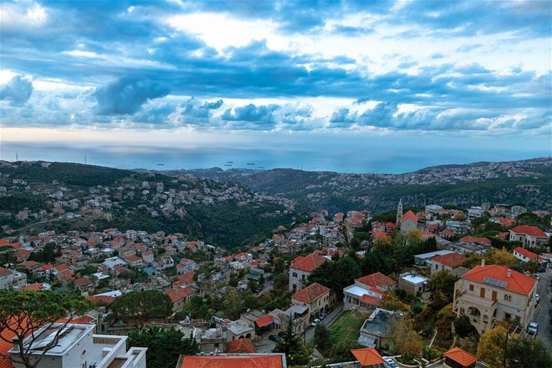 Can't get enough of this city's breathtaking view........ ... (Beït Chabâb, Mont-Liban, Lebanon)