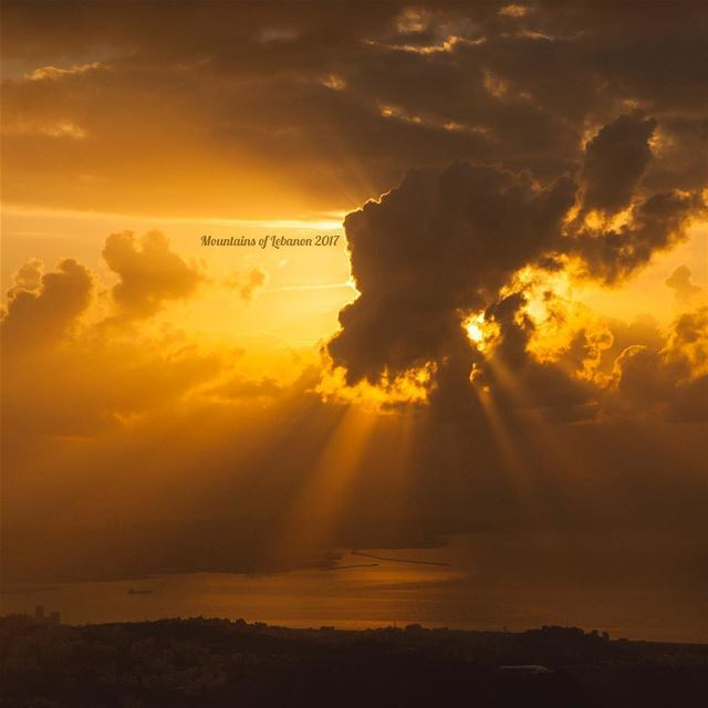 Few more days till sun starts setting behind Beirut moving south till dec... (Ballouneh, Mont-Liban, Lebanon)