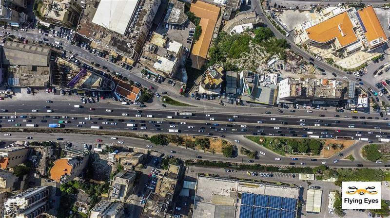 They roll below...we fly above 🔴⚪⚪🌲⚪⚪🔴 ... (Al Kaslik, Mont-Liban, Lebanon)