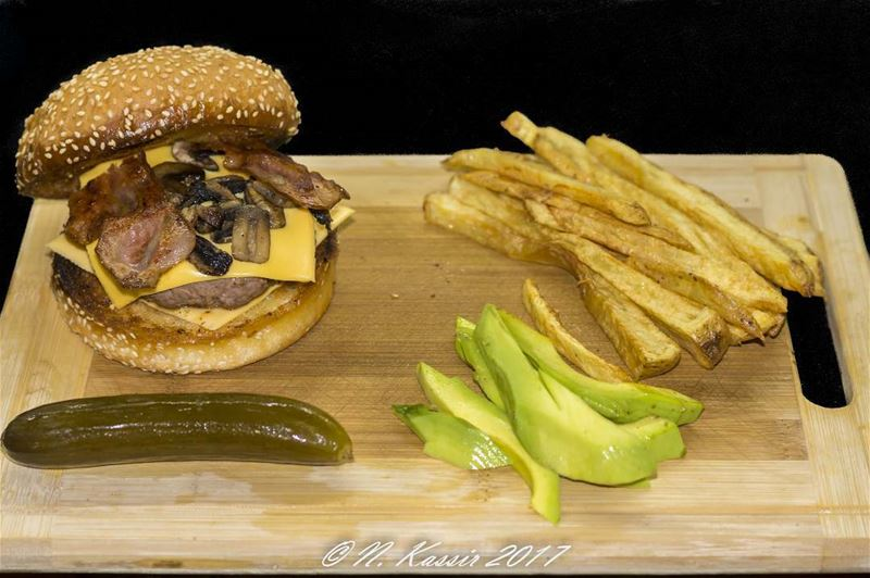 burger  bun  mushrooms  bacon  cheddar  cheese  avocado  pickles ...