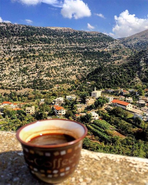 G O O D V I B E S O N L Y 🍃.... mountain peak lebanon coffee ... (Bhairet Toula)