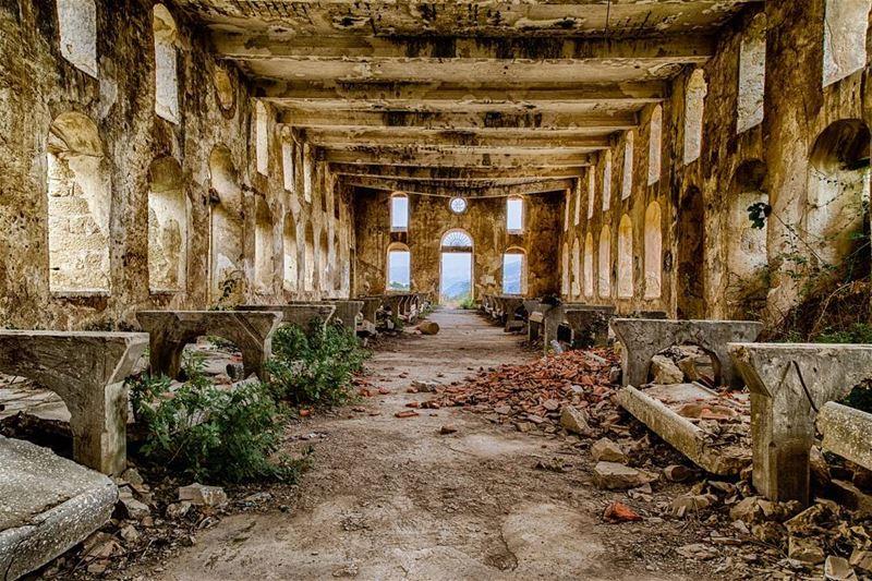 Art is never finished, only abandoned. . ....... kfarmatta ... (Kafr Mattá, Mont-Liban, Lebanon)