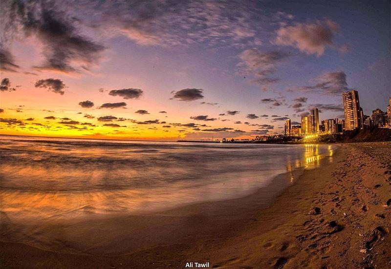 🌅 sunset dusk longexposure beautiful fisheye nikon d810 ... (Ramlat Al Bayda', Beyrouth, Lebanon)
