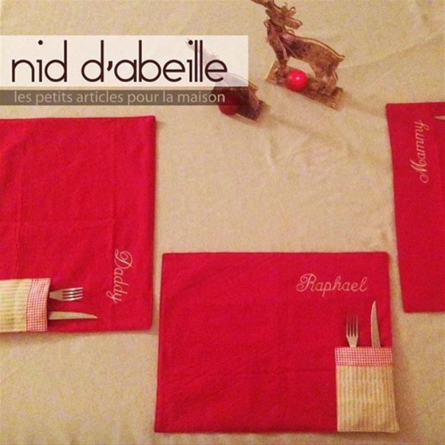 Stay connected ❤️family comes first 🎄Write it on fabric by nid d'abeille ...