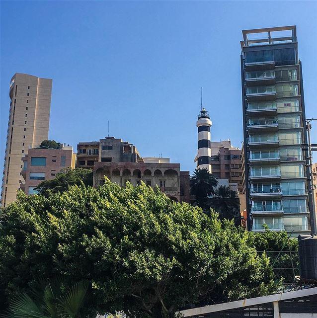 The forgotten lighthouse of the old Beirut 🇱🇧... (Beirut, Lebanon)