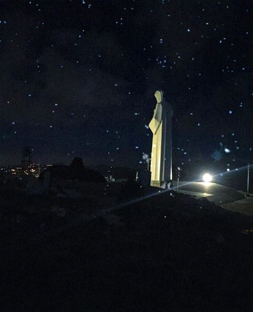 Someone's watching over Lebanon...First try at that star picture... (Saint Charbel-Faraya)