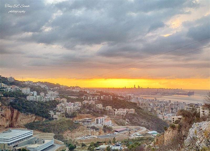 lebanon_hdr lebanoninstagram lebanon sunset sunsets view ... (Er Râbié, Mont-Liban, Lebanon)