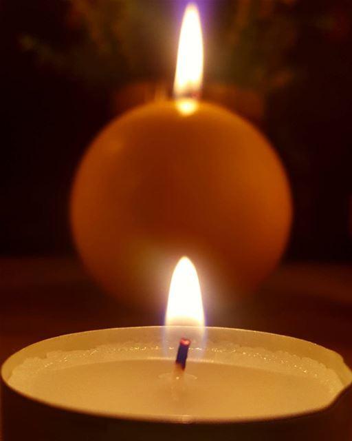 بدي إندر شمعة ... 🔥 _____________________________________________...