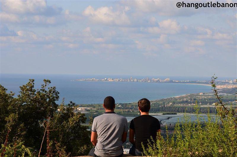 Watching over Tyre.------------------- hangoutlebanon ... (El Mansouri, Al Janub, Lebanon)