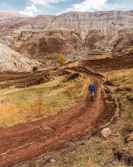 Sunday hikes 🚶🗻 by @treehugger961 📷Where are you hiking Sunday?Tag us... (Lebanon)