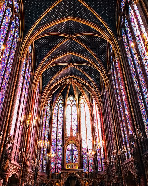 The most beautiful chapel I've ever seen!••••••••••••••••••••La plus... (Sainte-Chapelle de Paris)