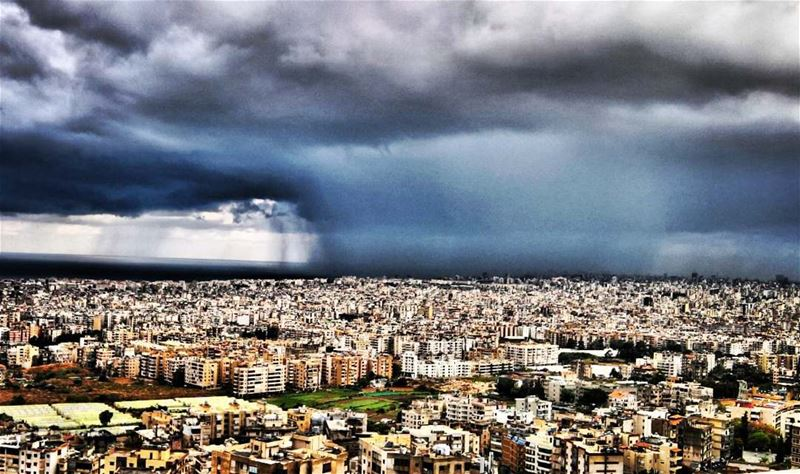 Incoming storm ig_lebanon amazinglebanon insta_lebanon i_love_lebanon... (Baabda)