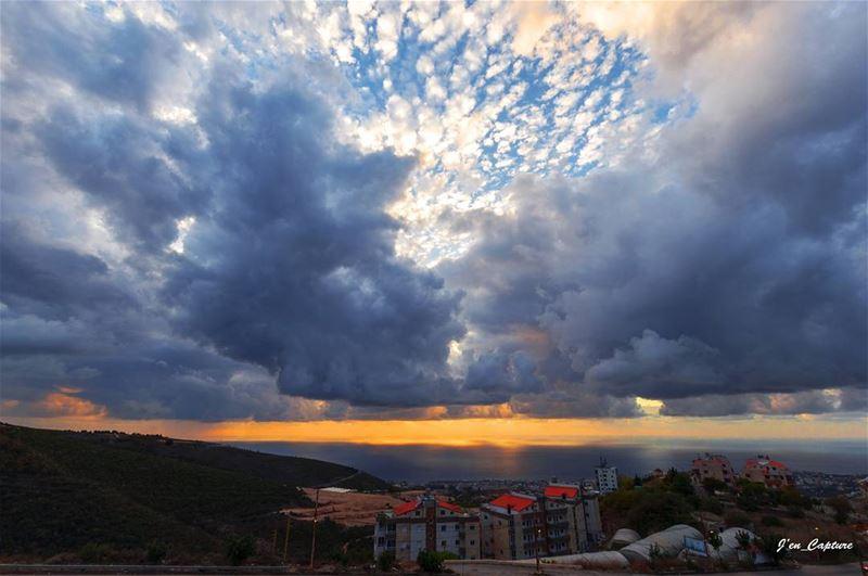 Jbeil's sunset••• Lebanon Livelovelebanon Nikon NikonD90 NikonDSLR... (Jbeil-Byblos)