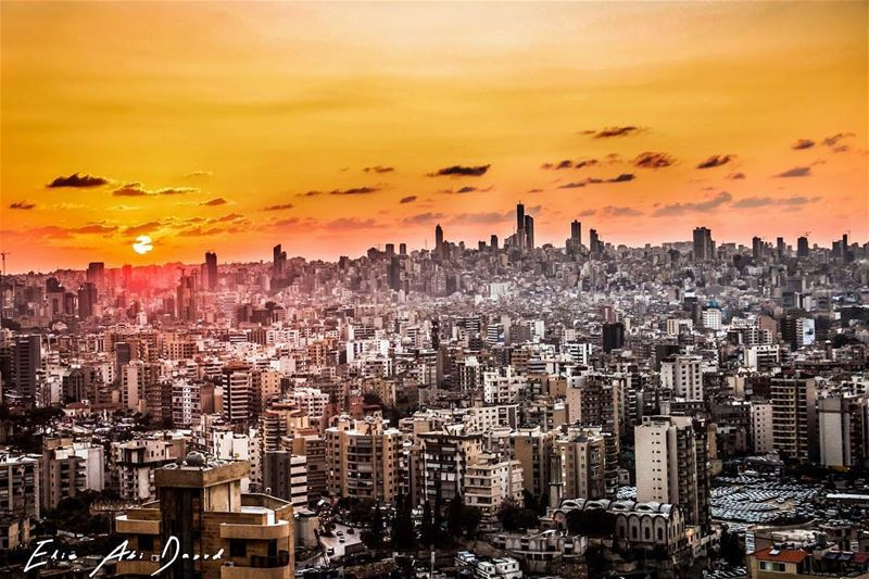 ما غابت عنها شمس الا واشرقت من جديد beirut lebanon lebanontimes sunset... (Beirut, Lebanon)