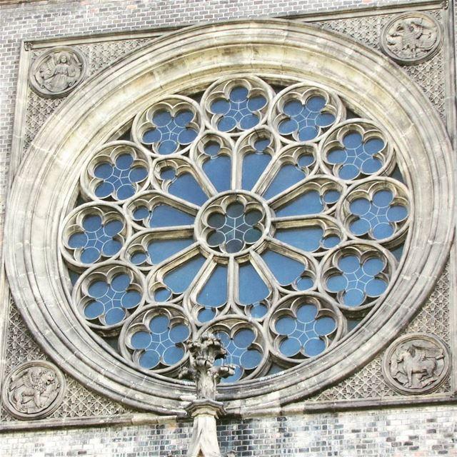 saintludmila prague praha church rosace architecture gothic style ... (Church of St. Ludmila)