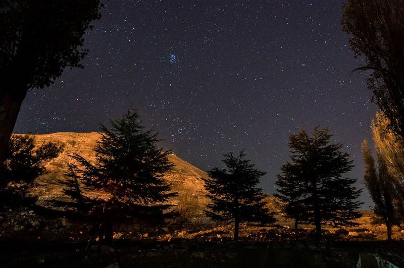 If people sat outside and looked at the stars each night🌌........ (Qanat Bakish, Mont-Liban, Lebanon)