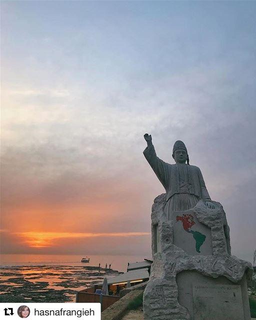 🇱🇧 Estátua em homenagem a todos os libaneses que imigraram para as Améric (Byblos, Lebanon)