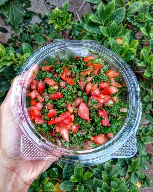 Taboule 😍💚••• salad lebanoneats lebanese yourlebanon vegetarian... (Beirut, Lebanon)
