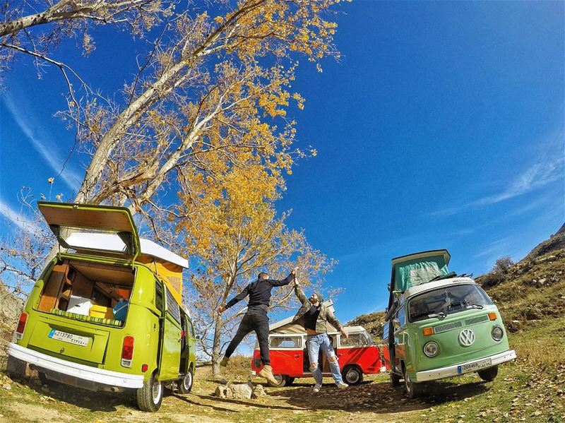 Gathered as strangers, left as friends @rabihmaftoum @thevwroadrunner @gops (Just VW Campers)