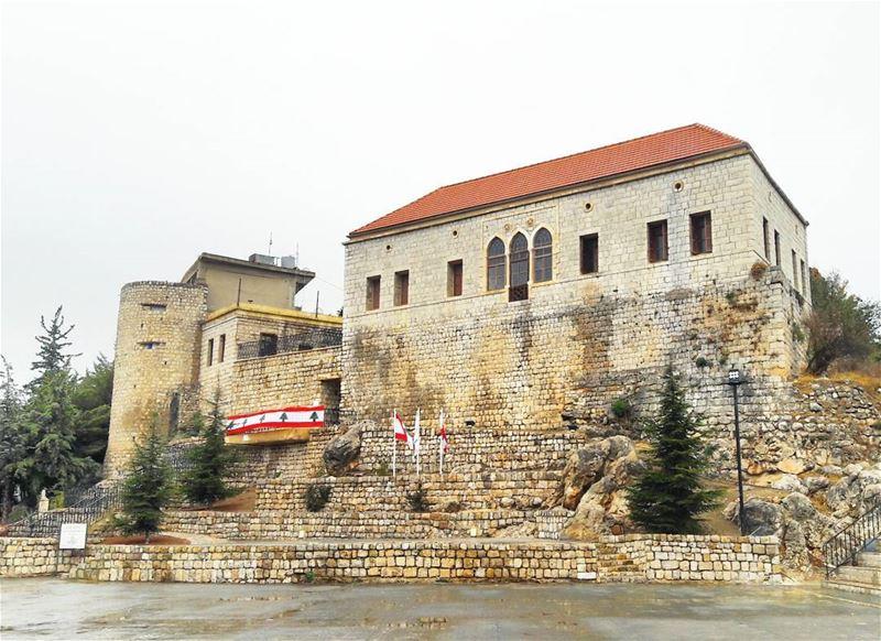Back in time 🇱🇧 ... travel travelgram like likeforlike likes4like ... (Rashayya, Béqaa, Lebanon)