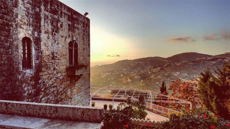 morninglebanon lebanon lebanon_hdr lebanontimes onlyonelebanon ... (Beït Ed Dîne, Mont-Liban, Lebanon)