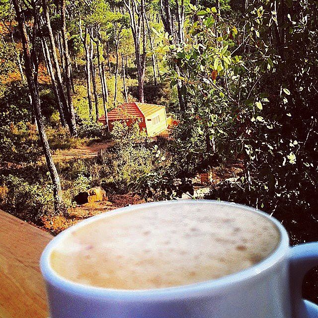 Nothing beats a nice cappuccino on a beautiful cool fall day ☕🏡@tuuxxx 📸