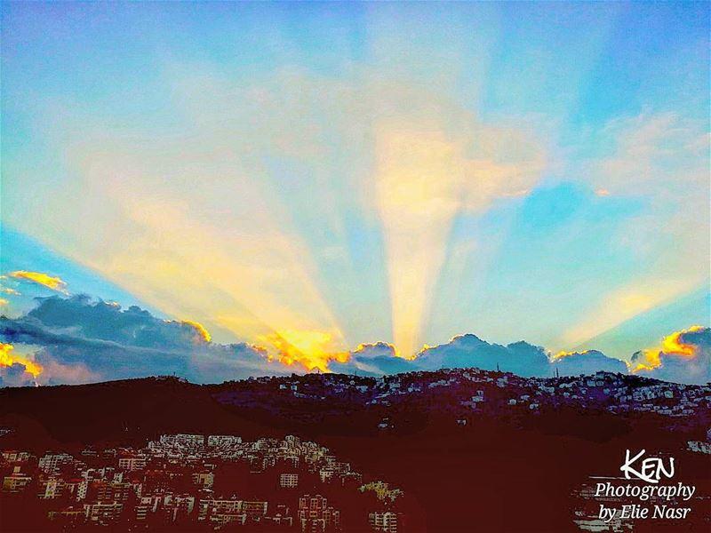 ...إذا مر يومٌ. ولم أتذكر به أن أقول: صباحك سكر...ورحت أخط كطفلٍ صغير ك (Fanar, Mont-Liban, Lebanon)