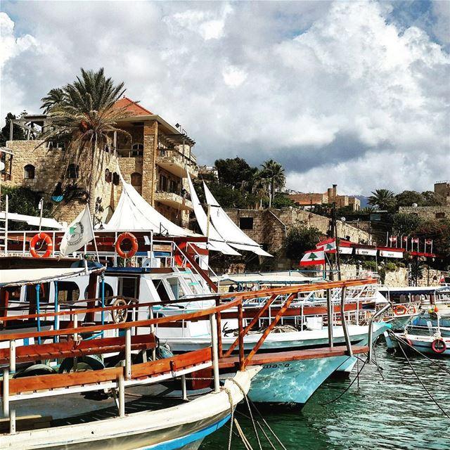 Hello Lebanon!!!! OneFlag IndependenceDay lebanon jbeil byblos ... (Byblos - Jbeil)