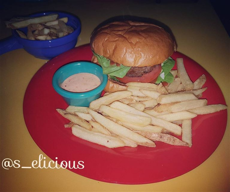 Beef burger with fries😋 lebanoninapicture uae lebanon🇱🇧 liban ... (IMG Worlds of Adventure)