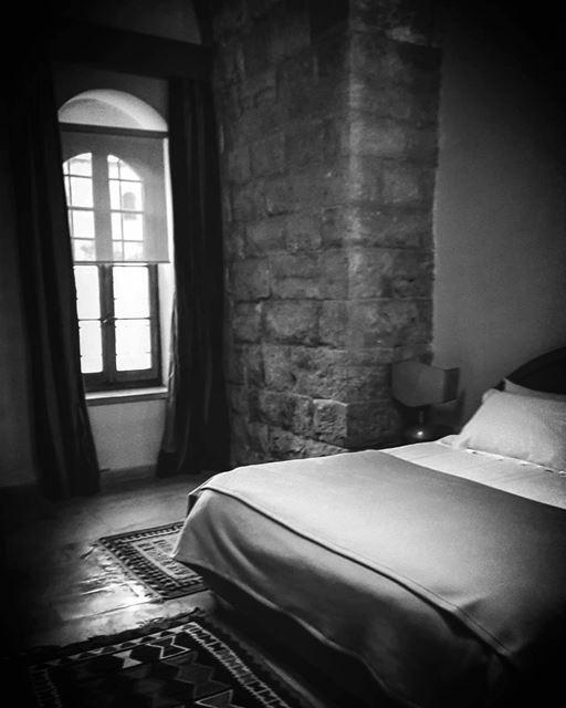 historicalplace historicalhotel oldroom relaxroom oldhotel ... (Mir Amin Palace Hotel)
