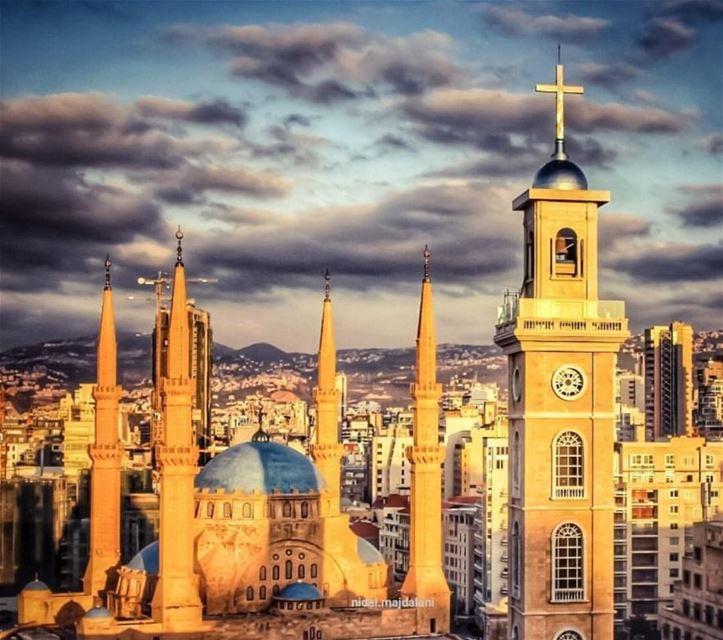 لو الناس بيامنوا بالله ما كانوا بيقسِّموا لان الله هو عبارة عن الوحدة ونحنا (Beirut, Lebanon)
