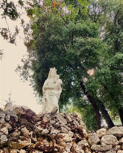 virginmary holyplace faith whatsuplebanon eyesoflebanon meetlebanon ... (Annâya, Mont-Liban, Lebanon)