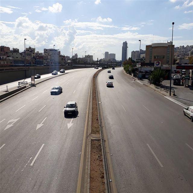 🇱🇧 uglybeirut uglycity beirut naher lebanon lebanonshots road ... (Beirut, Lebanon)