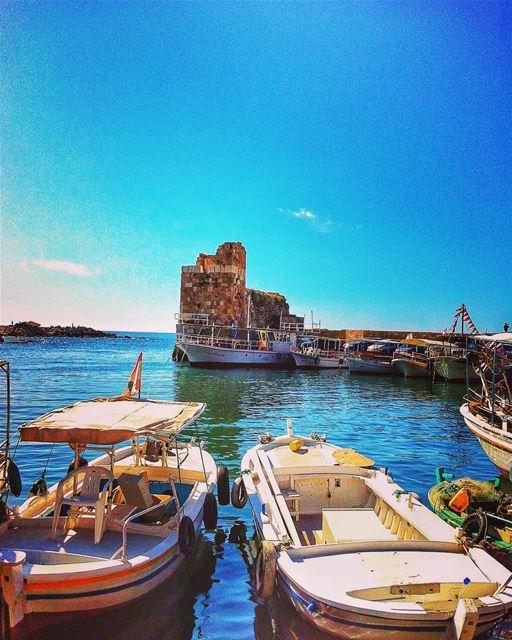 Ready to sail away 🚣♀️ .... lovelebanon lebanonspotlights lebanon ... (Byblos - Jbeil)